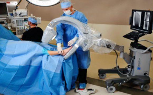 La chirurgie mini-invasive du pied et percutanée
